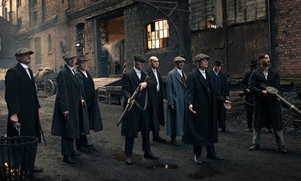 Peaky Blinders: gang lined up